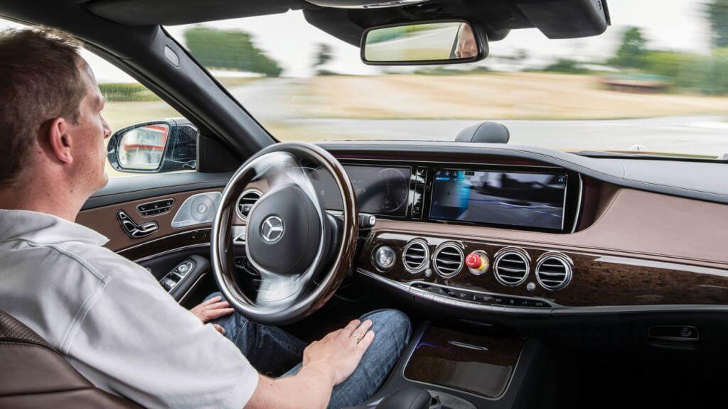 Carro Sem Motorista Mercedes - Você se sentiria seguro em um veículo sem motorista?