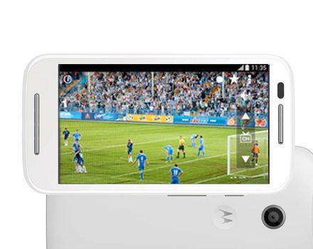Smartphone Moto E com Tv Digital reprodução2 - Lista: smartphones e tablets com TV digital no Brasil