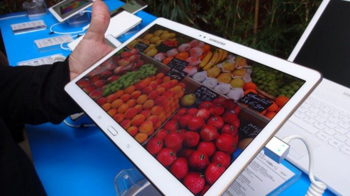 samsung galaxy tab s smt 06 720x405 - Samsung lança nova linha de tablets Galaxy Tab S no Brasil