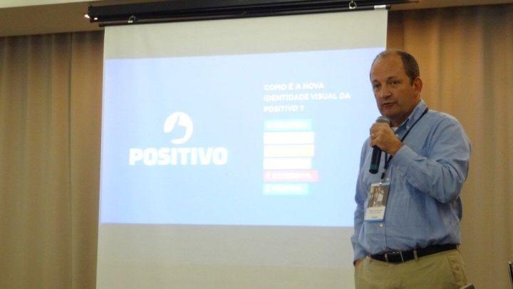 positivo parceria operadoras smartphones smt 02 720x405 - Positivo fecha parceria com Oi e TIM para venda de smartphones