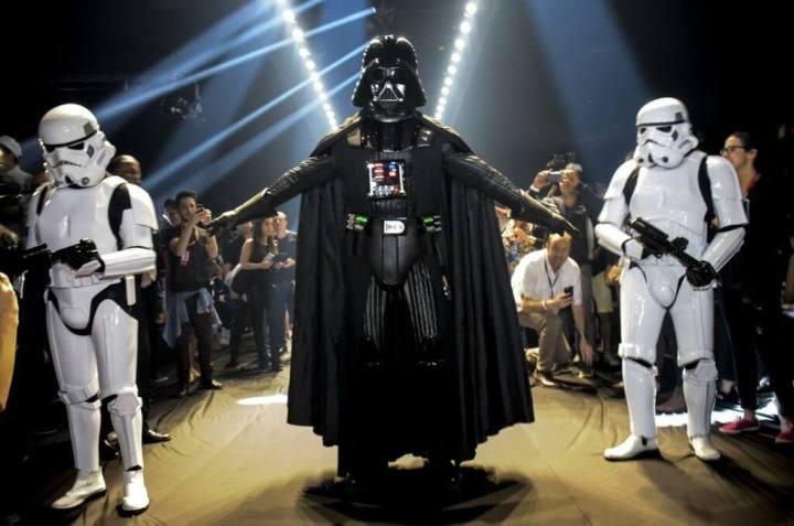 238905 452924 starwars  15  720x477 - Darth Vader invade a passarela da Triton durante SPFW