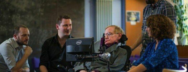 6eawddn6hvk2 fgjddy86wapdn ehnb1n2hyjtlqfpw 798x310 720x279 - Swiftkey ajuda Stephen Hawking a se comunicar
