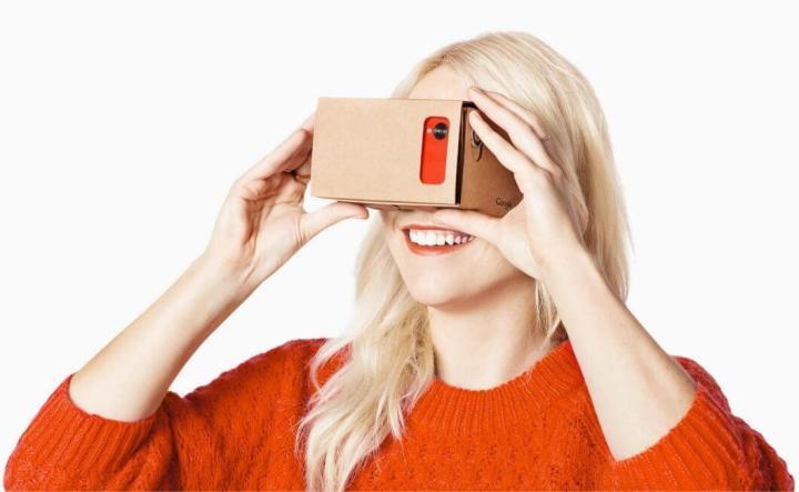 google cardboard 720x443 - Review: Google CardBoard, o primo barato do óculos Rift