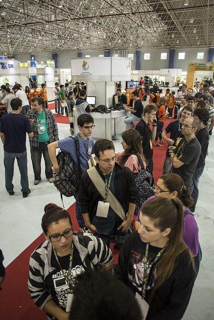 fisl16 estandes - Fórum Internacional de Software Livre está com inscrições abertas (FISL16)