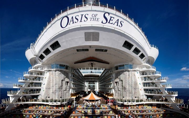 Oasis-of-the-Seas-Aquatheater