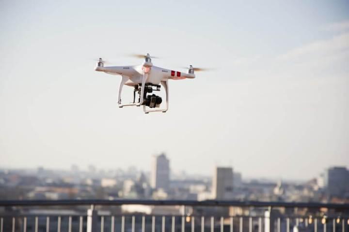 drone 720x480 - Homem pousa drone radioativo na cobertura do primeiro-ministro japonês