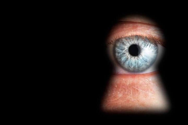 no privacy 720x480 - Sem privacidade! Snowden afirma que EUA pode espionar até mesmo fotos íntimas