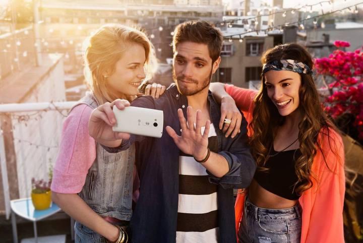 bg intro 01 720x482 - Review: LG G Flex 2, o smartphone curvo e potente