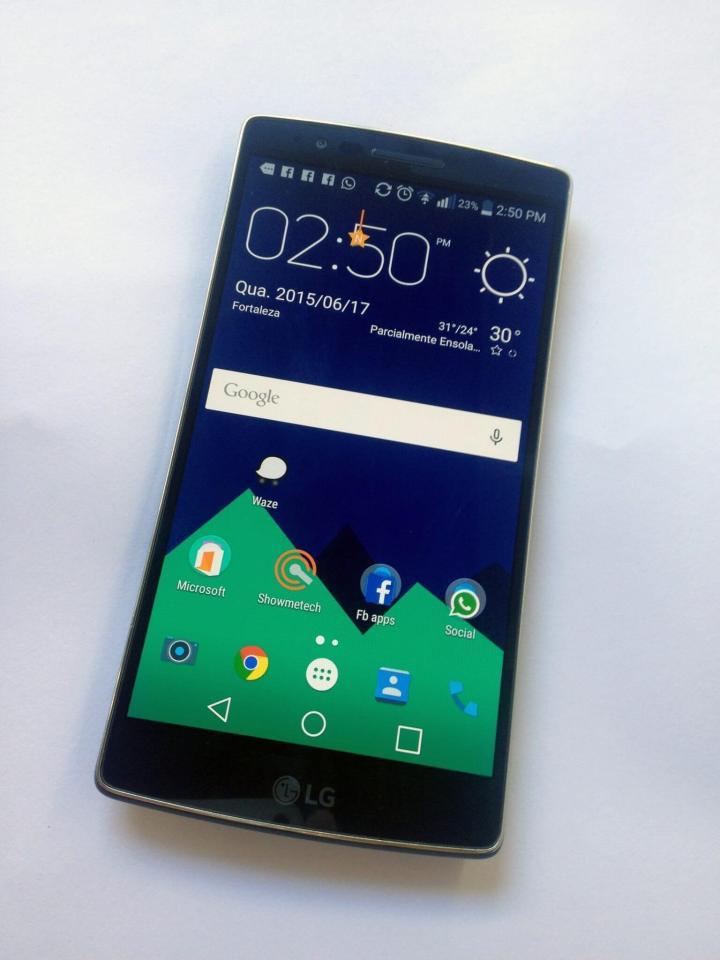 LG G Flex 2 com Nova Launcher e pacote de ícones Moonshine