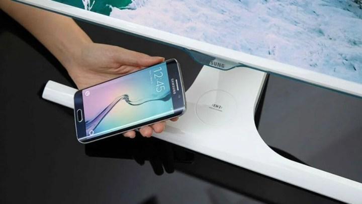 Novo monitor da Samsung fornecerá carregamento sem fio para dispositivos móveis 5