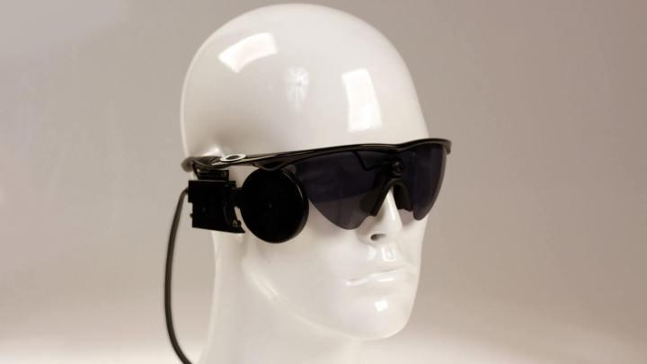 smt olhobionico doll 720x405 - Implante biônico restaura visão em homem de 80 anos