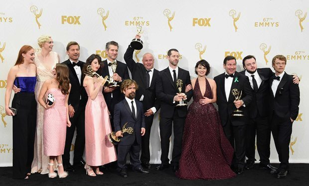 """game of thrones breaks record with multiple wins at emmy awards 2015 - No Mercy: """"Game of Thrones"""" tem vitória sangrenta no Emmys 2015"""