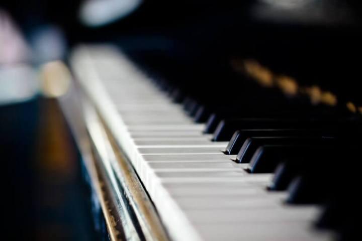 piano 720x480 - Por que é impossível afinar um piano?