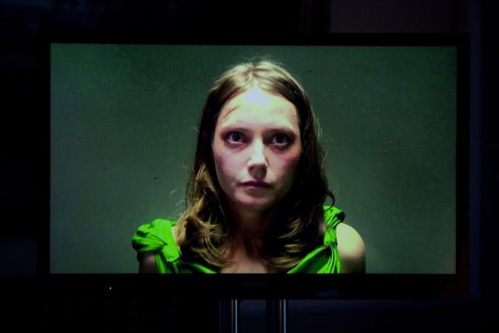 smt blackmirror p1 720x480 - Netflix deve produzir novos episódios de Black Mirror