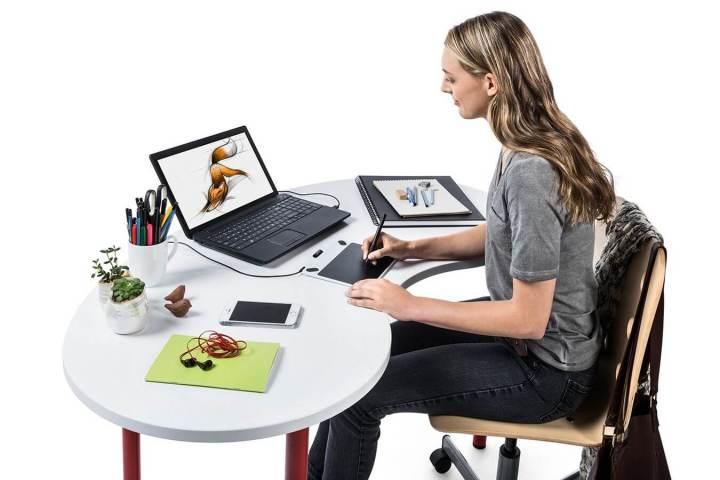 smt intuos intuosdraw 720x480 - Dando mesas à criatividade: Wacom anuncia 4 novos modelos da linha Intuos