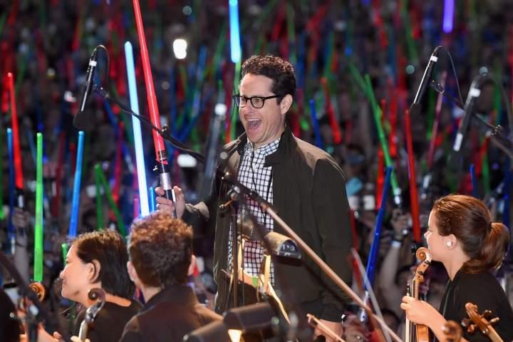 """smt starwars jjabrams 720x480 - Maioria dos fãs acredita que """"O Despertar da Força"""" será o melhor filme da saga de Star Wars"""
