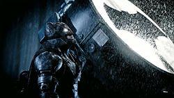 assshf22mj1ti7sub75h - Batman v Superman: teoria insana sugere outro Batman no filme