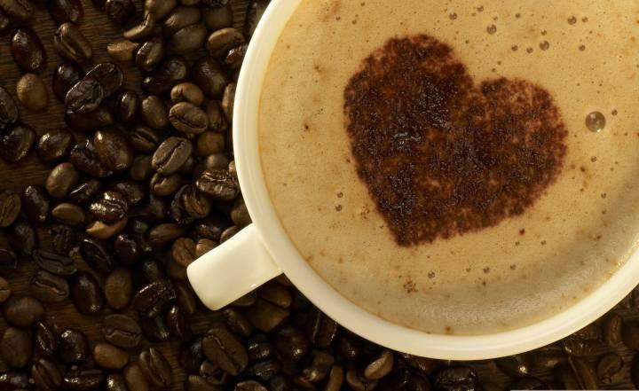 smt coffee capa 720x441 - Estudo aponta que beber (muito) café pode prolongar a sua vida