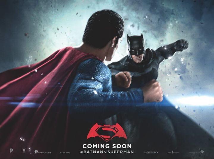 Novo cartaz mostra os heróis trocando socos Batman vs Superman: A Origem da Justiça