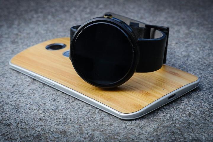 smt moto360 p1 720x480 - Moto 360 começa receber atualização do Android Wear