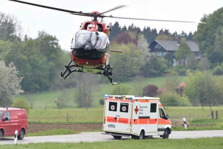 helicoptero2 720x480 - 5 pessoas sobrevivem após incrível acidente com um Tesla Model S