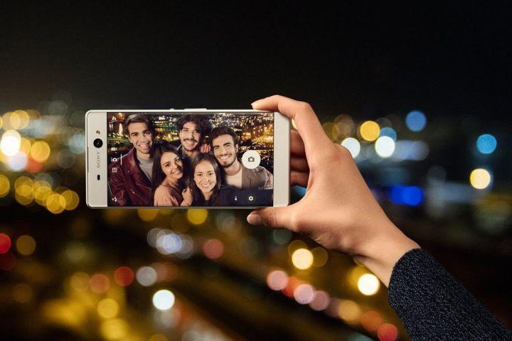 smt sony xperia xa ultra selfie1 720x480 - Sony apresenta Xperia XA Ultra, seu phablet bom de selfie