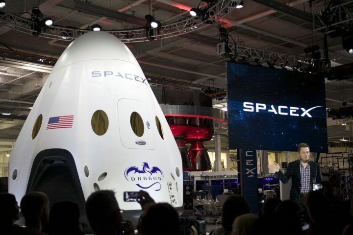 smt elonmusk dragonv2 720x480 - Elon Musk planeja missão tripulada para Marte em menos de dez anos