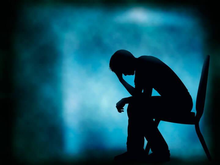 pessoa deprimida shutterstock 139494050 - Novo algoritmo consegue identificar pessoas deprimidas por suas fotos no Instagram