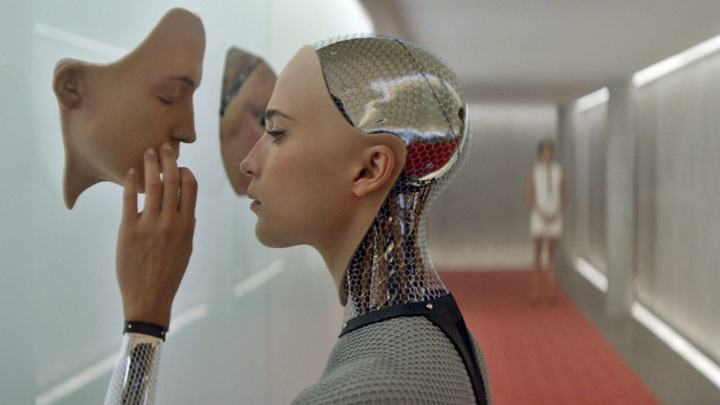 exmachina 720x405 - No futuro, robôs terão os mesmos direitos que você
