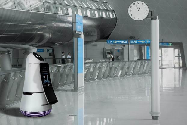 """LG Guide airport robot - LG faz bonito com """"Wallpaper TV"""" e recebe mais de 90 prêmios na CES 2017"""