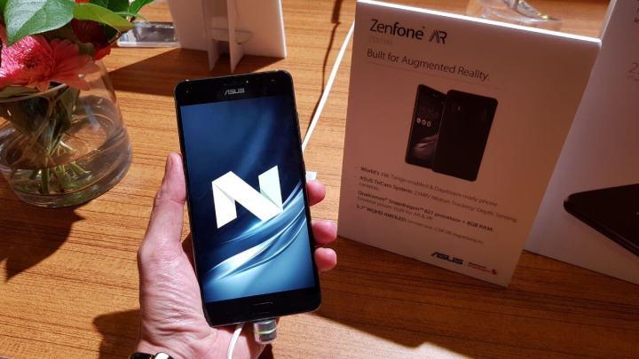 Zenfone AR traseira frente 720x405 - ASUS apresenta 2 novos smartphones na CES 2017