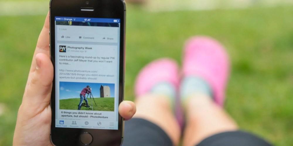 landscape 1451498511 facebook smartphone - Tutorial: Como esconder os amigos que adiciono no Facebook