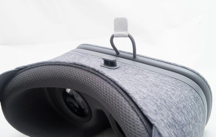 google daydream view vr review 2016 05 720x457 - Daydream View ou Gear VR, qual óculos VR se sai melhor na briga?