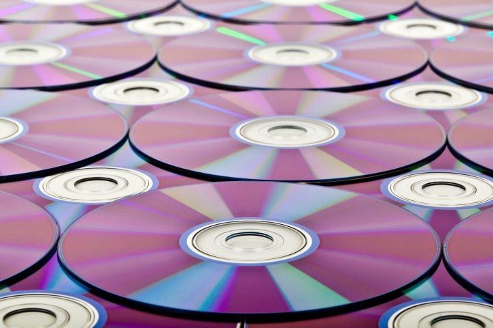 background 89176 1280 720x480 - História das mídias: Por quanto tempo seus arquivos estarão a salvo?