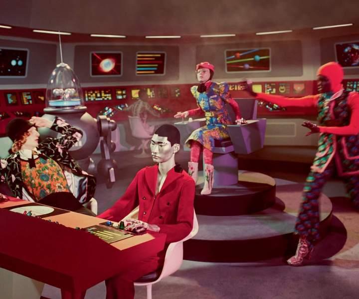 gucci fw17 campaign 24 720x599 - Uma surra de vintage sci-fi na mais nova campanha da Gucci