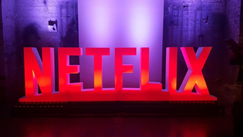 netflix logo sign - Netflix em julho: novidades e despedidas do catálogo