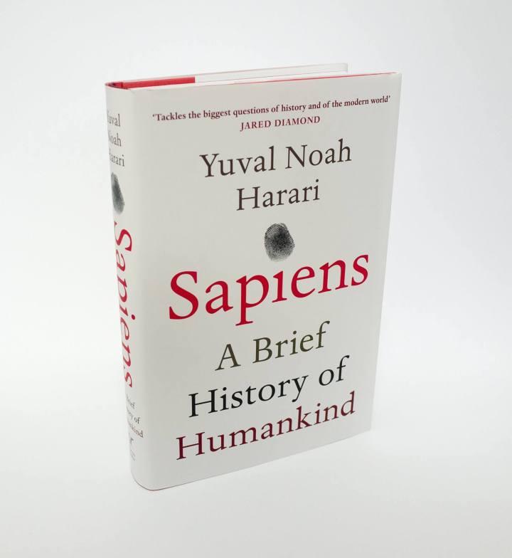 """Sapiens 720x784 - Tecnologia da Angústia: """"Homo Deus"""" e a evolução tecnológica"""