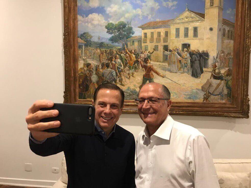 selfie doria e alckmin - Doria investe em softwares que ajudam a aumentar sua influência digital