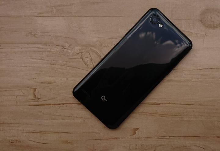 REVIEW: LG Q6+, um intermediário pra quem não curte bordas 8