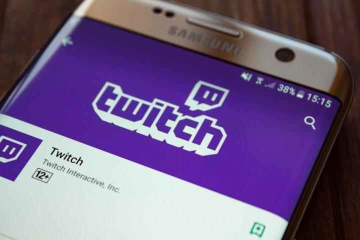 shutterstock 730785427 720x480 - Extensões do Twitch trazem novo conceito de interação entre os usuários
