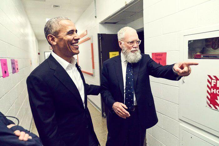 Barack Obama e David Letterman nos bastidores das gravções do programa.