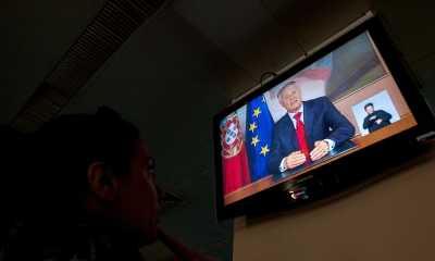 naom 555afff01c78a - A televisão influencia sua opinião política?