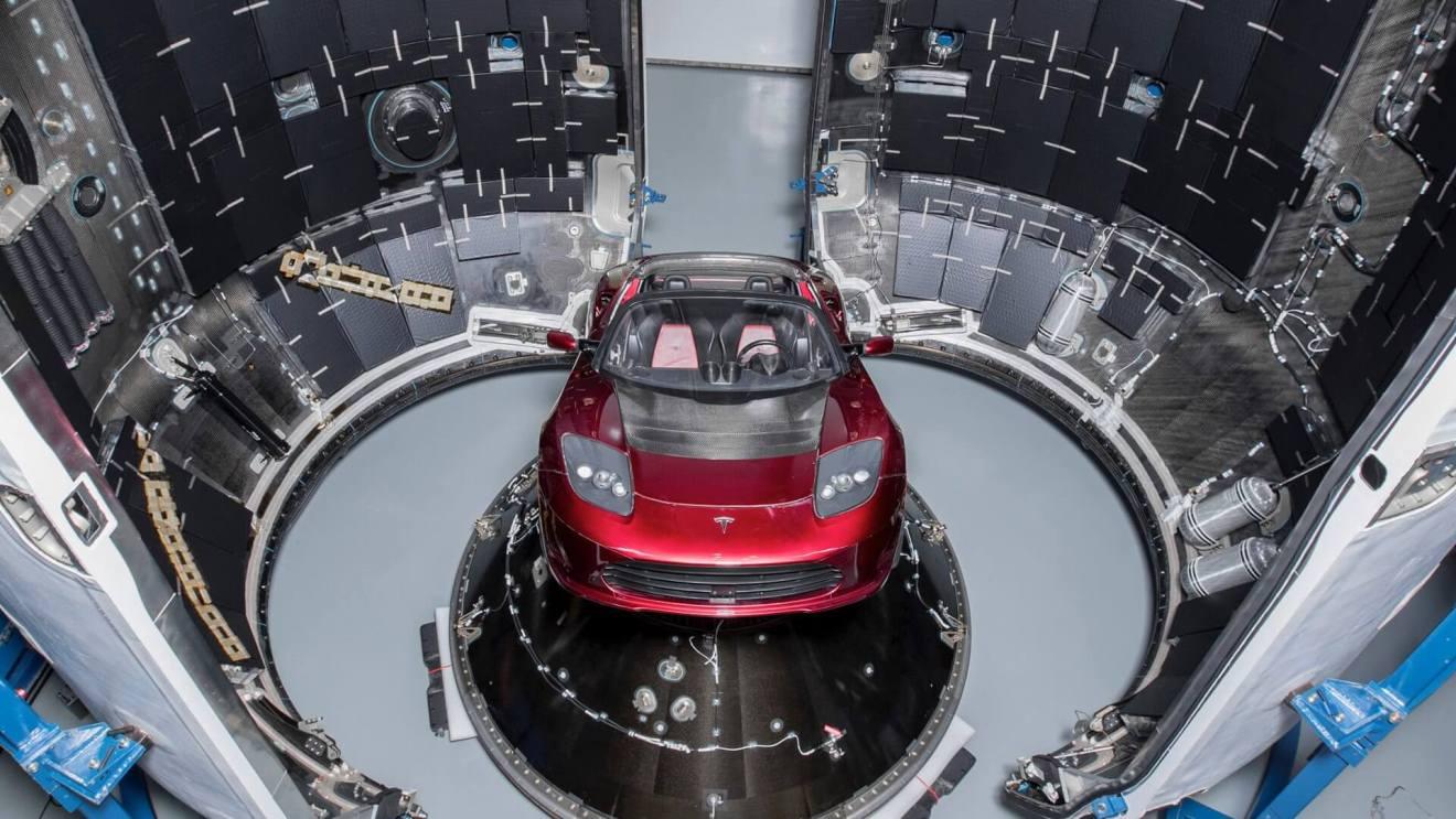 spacex teslaroadster falconheavy - É HOJE: SpaceX lançará um carro esportivo Tesla ao espaço