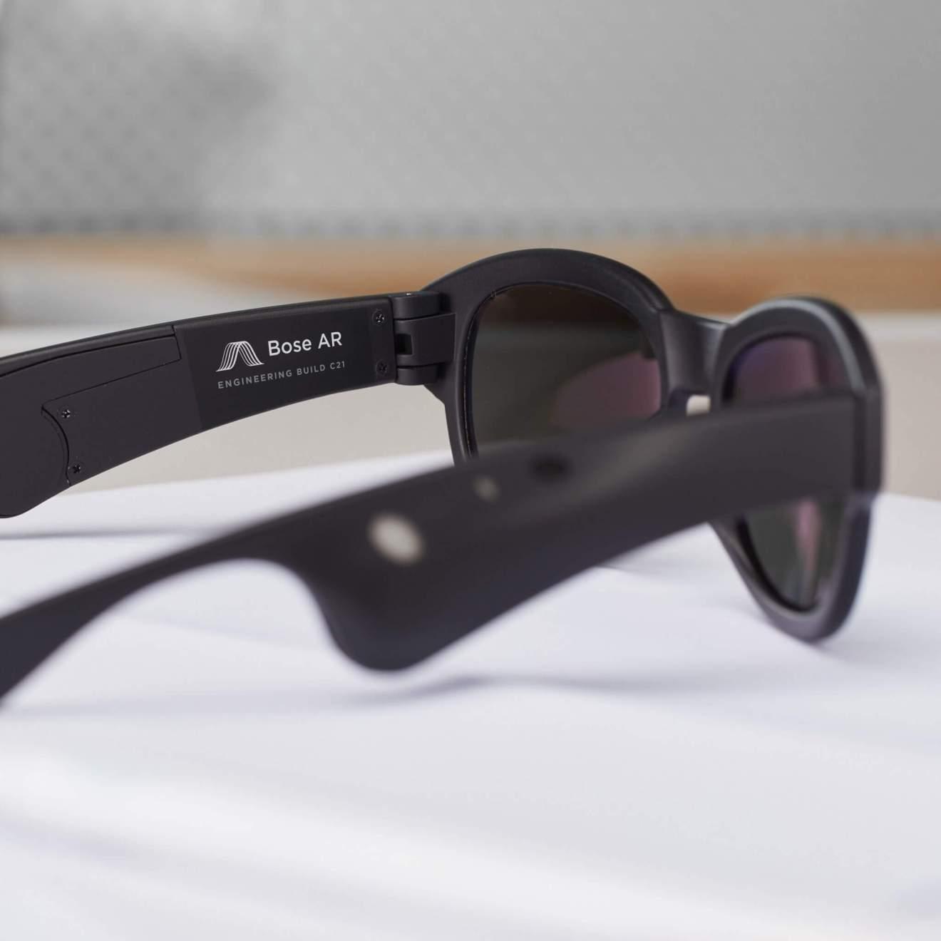 Bose AR Prototype Glasses 1 - Óculos inteligentes permitem controlar a música com movimentos da cabeça