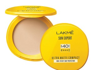 Lakme Sun Expert Compact: Buy Lakme Sun Expert Ultra Matte SPF 40 PA+++ Compacts at Best Price