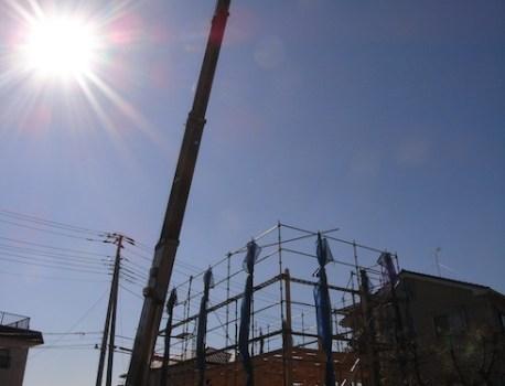 建て方 が無事完了。天気にも恵まれスムーズに上棟しました