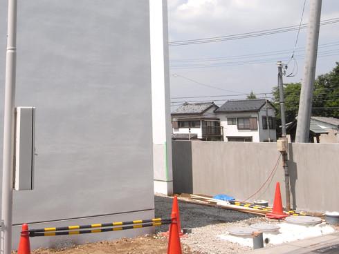 浄化槽埋設後の玄関アプローチ