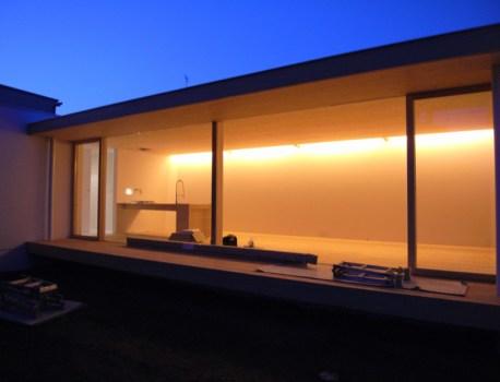 取手市I邸にて検査前のクリーニングとライティング時の照度確認を行いました