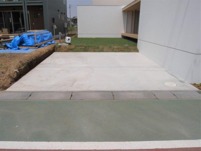 駐車場の土間コンクリート完成