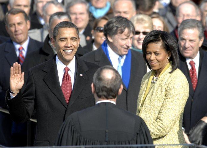 manželé Obamovi